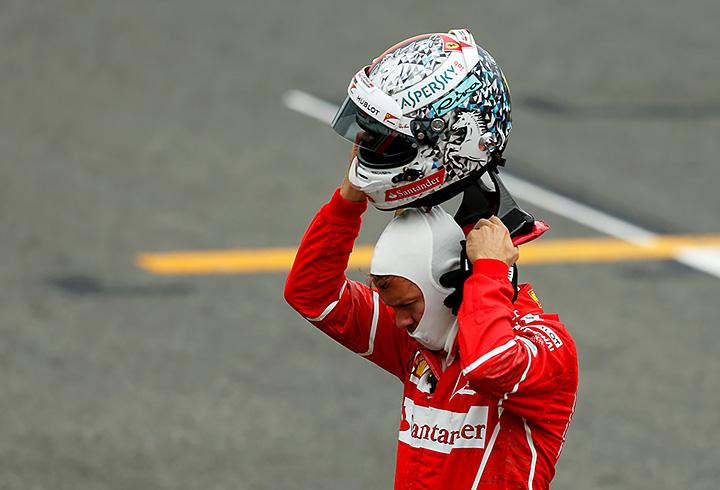 Гран-при Великобритании, Феррари, Кими Райкконен, Себастьян Феттель, Формула-1, Мерседес