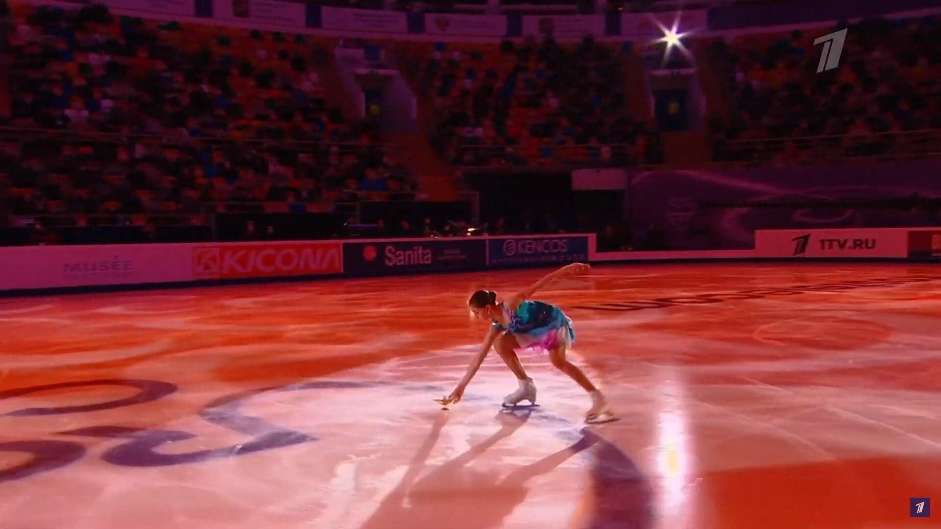 Номер-феерия от учеников Тутберидзе: Валиева вызвала Джинна из лампы прямо на льду – им оказался Квителашвили (в синем гриме!)