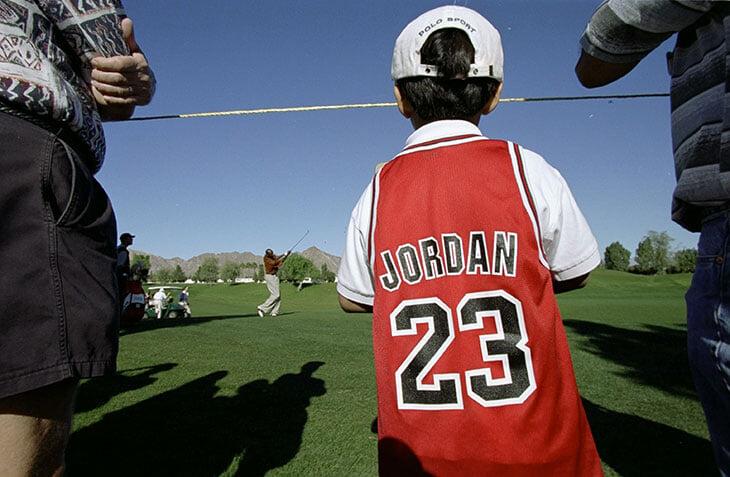 Страсть к гольфу едва не торпедировала карьеру Майкла Джордана. На лужайках он как-то проиграл 1,25 млн и так их и не вернул