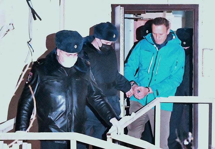 Заявление Игоря Денисова об Алексее Навальном: «Он должен быть на свободе»