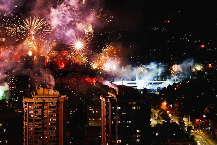 🔥 Сараево в огне: посмотрите на грандиозный салют в честь 100-летия «Железничара»