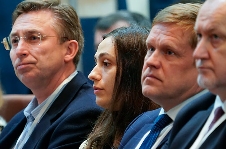 Даже после переворота в нашей атлетике беда: Шубенкова и Ласицкене лишат нейтрального флага, если Россия не заплатит $10 млн