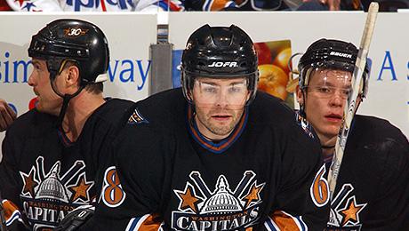 «Гретцки получит в два раза больше Джордана. Это безумие!». Как менялись зарплаты в НХЛ