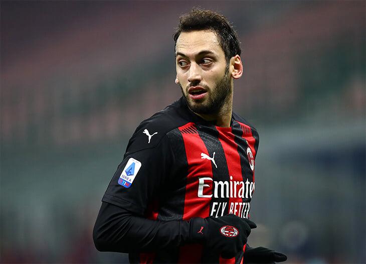 Чалханоглу ушел в «Интер» – «Милан» теряет уже второго топ-игрока. Но это не вина руководства