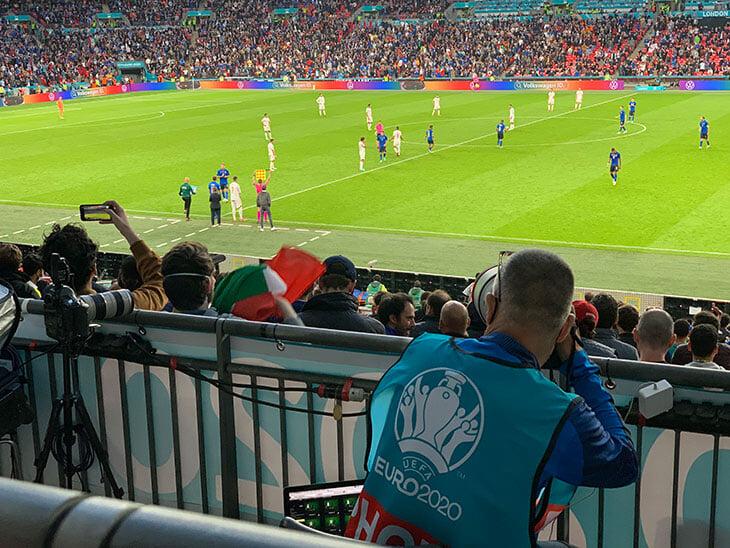 «Уэмбли» бешеный даже на полуфинале без Англии! Фанаты настолько зажглись, что радовались экстра-таймам