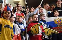 Дед мороз, Ротенберг и красная «Победа». Русские медалисты Олимпиады вернулись домой