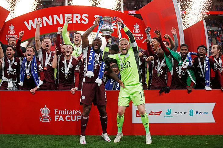 «Сегодня на футбол возвращается душа». Как же здорово, что новое чудо «Лестера» (этот Кубок важнее чемпионства!) увидели живые болельщики