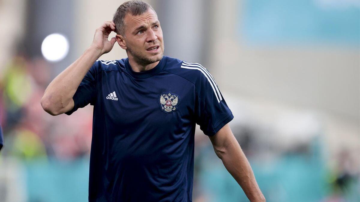 Геннадий Орлов: Ни один нападающий сборной России не умеет обыгрывать один в один. Дзюба  плохая пародия Роналду
