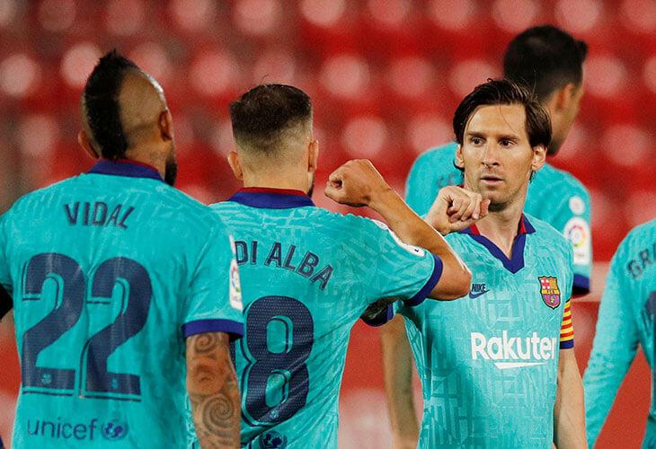 «Барселона» вернулась: Месси сделал два ассиста (один головой) и забил сам. Но главное событие – выбежавший фанат