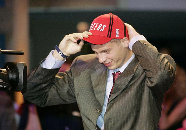 В 2004-м году четверо россиян были выбраны на драфте НБА. Вспоминаем «русский драфт» – бессмысленный и беспощадный