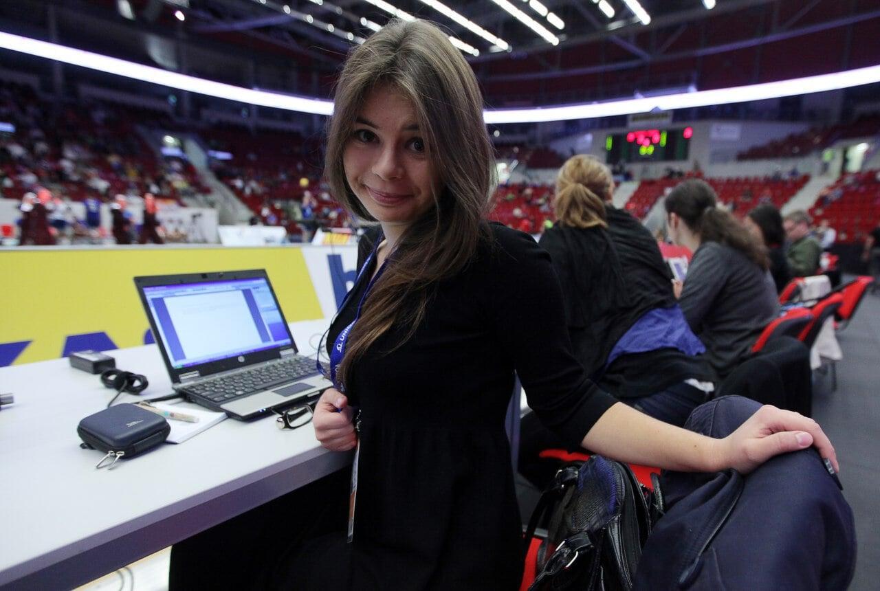«Родченкова бесит, как тему допинга освещают в России». Девушка, которая первой взяла интервью у беглого профессора