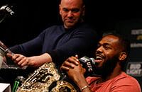UFC пообещал звезде шикарный чек за супербои, но Уайт внезапно передумал. Теперь Джонс просит разорвать контракт, а Дэйна предлагает детекор лжи