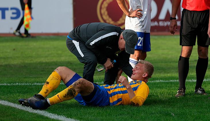 Хавбек «Луча» Калугин получил серьёзную травму вматче с«Факелом»