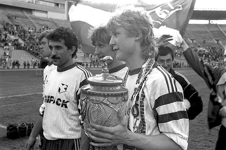 «Мы чемпионы, а в раздевалке гнетущее молчание». Онопко и Писарев вспоминают, как «Спартак» взял три чемпионства в начале 90-х