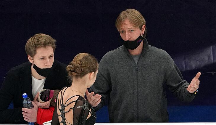 Что теперь делать академии Плющенко? Разбежались лучшие фигуристки, пустуют коттеджи, а сам Евгений, видимо, останется без Олимпиады