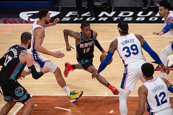Грегг Попович не сдается, в Кливленде отгрохали «страну секса», «Филадельфия» – короли Востока. НБА не перестает удивлять