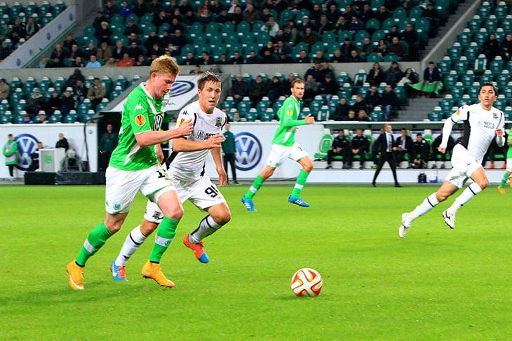 Где можно посмотреть футбол краснодар вольфсбург