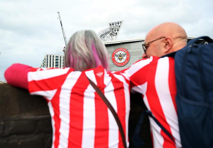 🐝 АПЛ вернулась полным стадионом и сенсацией: «Брентфорд», не игравший в высшем дивизионе с 1947-го, сломил «Арсенал»