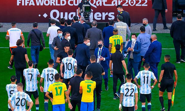 Что случилось с Аргентиной в Бразилии: прошли границу из-за дыры в системе, просили об исключении из правил, его не дали – ответ пришел, когда команда была на стадионе