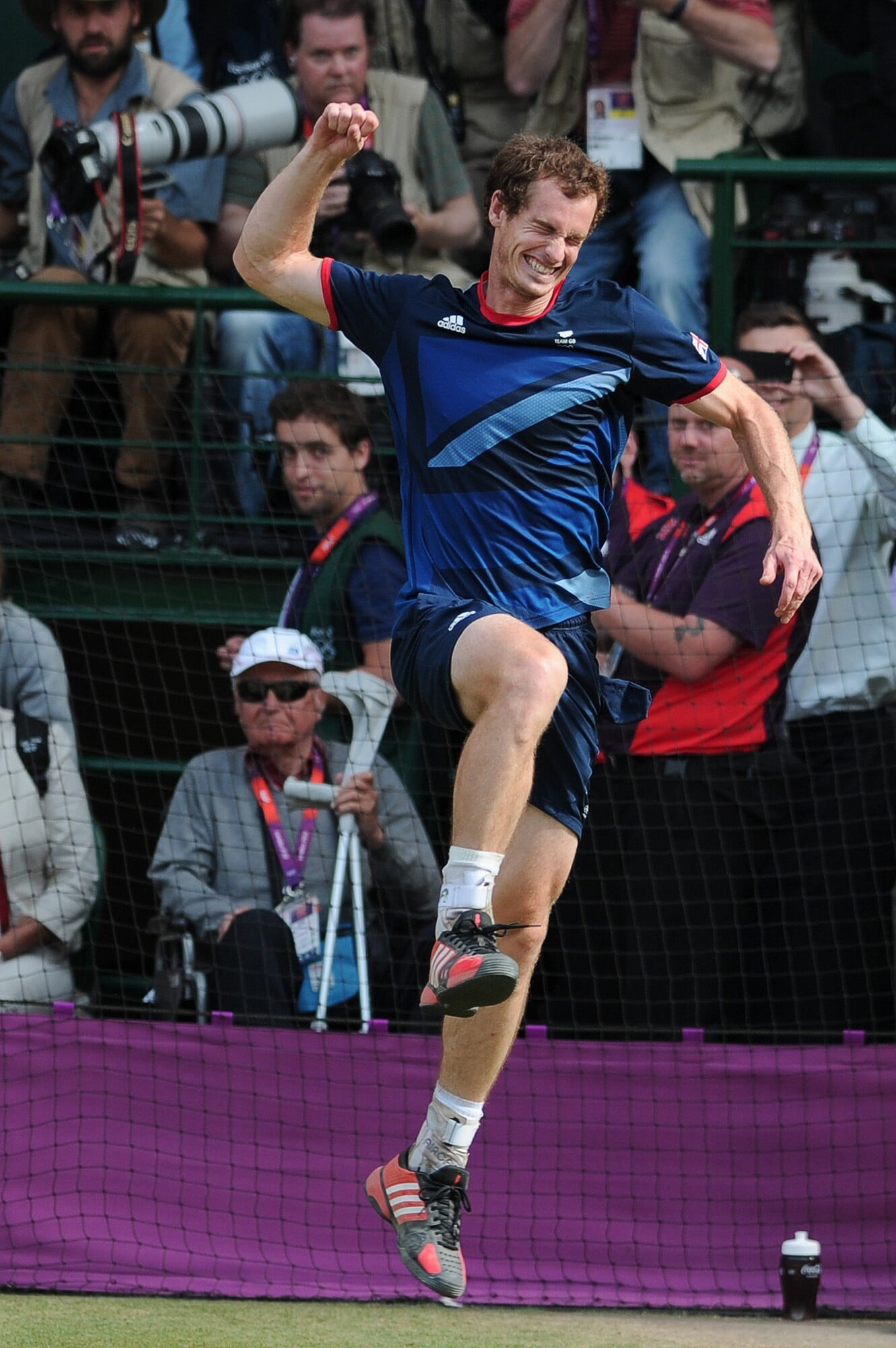 Теннис, мы скучаем! В конце мая обычно смотрим «Ролан Гаррос», а сейчас печально разглядываем любимые фото