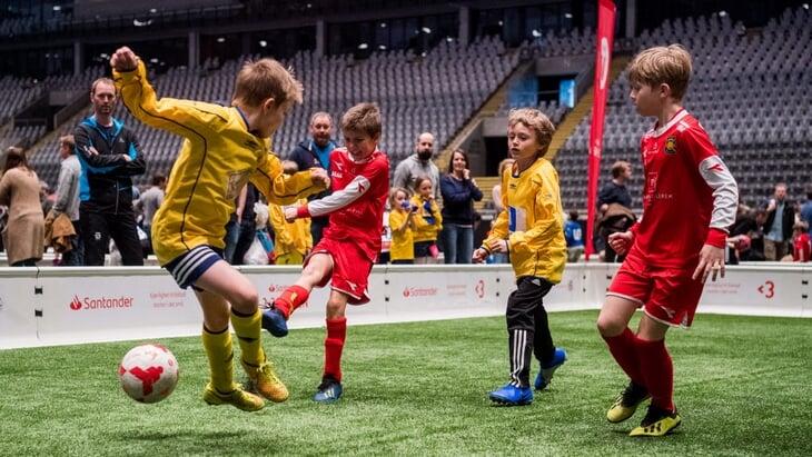 В Норвегии растет суперпоколение (не только Холанд и Эдегор). Дело в системе: 100 новых полей в год, школы в деревнях, акцент на технику и интеллект