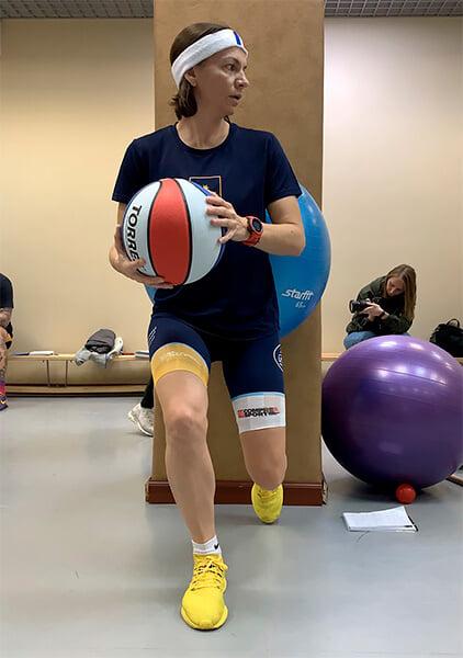 Как лечить теннисный локоть, боль в суставах и растяжение голеностопа? Хондропротекторы – это обман? Ответы спортивного врача