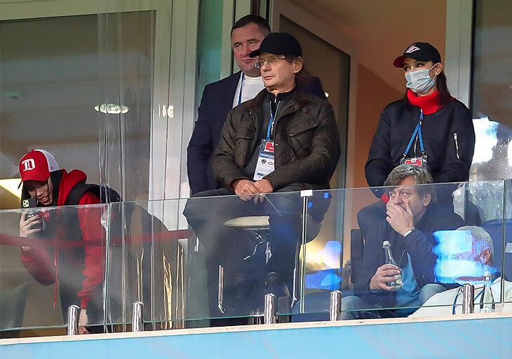 Денис Романцов пишет письмо Деду Морозу: хочет больше уважения к профессии тренера и чтобы в РПЛ менялось все, кроме «Спартака»