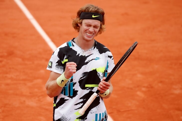 Рублев побеждает как настоящий топ – на классе вышел в 1/4 финала «Ролан Гаррос». Джокович так же разобрал Хачанова