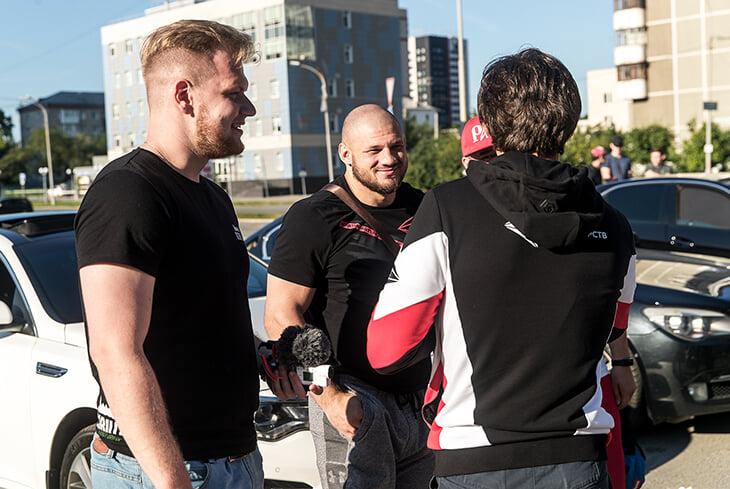 Чемпионский пояс UFC – у Петра Яна! Показываем, как болели за него в Екатеринбурге