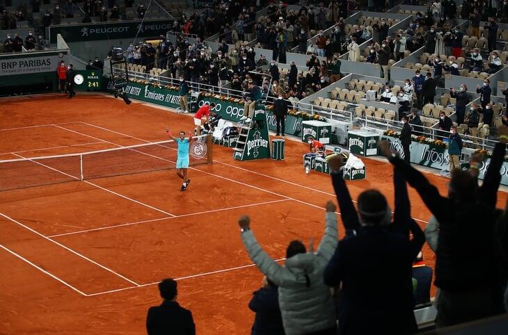 «Ролан Гаррос» перенесли на неделю из-за локдауна во Франции. Так турнир заработает на десятки млн евро больше
