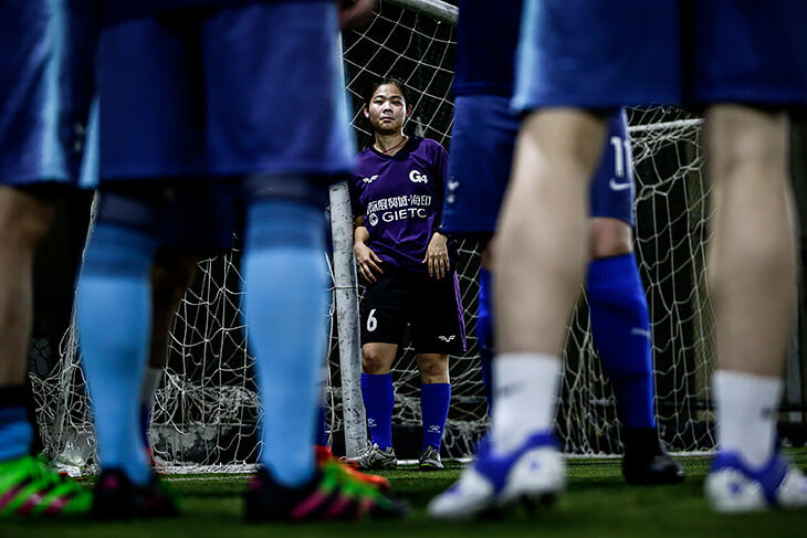 Женский спорт полон сексизма. Девушкам тяжелее, чем мужчинам: страшно, стыдно, больше сотрясений, а вместо ума и скорости ценятся формы