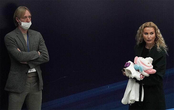 Победа учениц Тутберидзе – важный сигнал: перед Олимпиадой Россия верит в магию Этери, а к Плющенко относится с подозрением