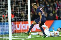 Игрок «ПСЖ» не забил с линии. Нет, серьезно: просто вынес мяч из ворот