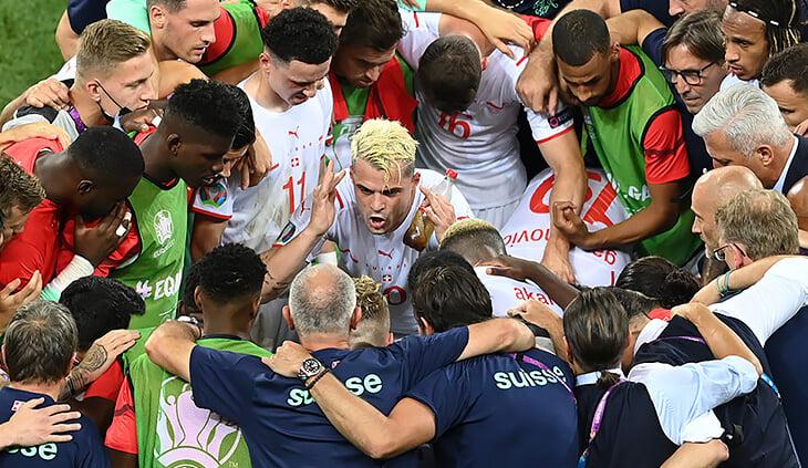 🥤Зачем Джака после 120 минут с Францией пил колу прямо на поле?