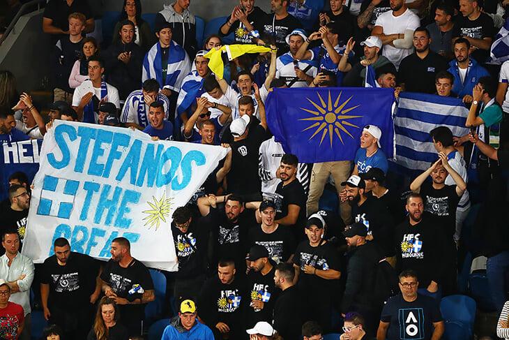Греческие фаны так шумели на Australian Open, что к ним приставили полицию. Ими недоволен был даже Циципас