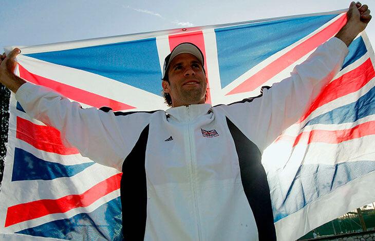 Фанаты Джоковича уверены: английские медиа его травят. А 15 лет назад он серьезно думал играть за Британию