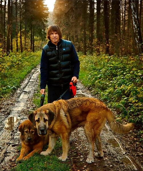 Игроки «Локомотива» обожают собак: Крыховяк учит бигля языкам, Чорлука гуляет с сиба-ину по Патриаршим