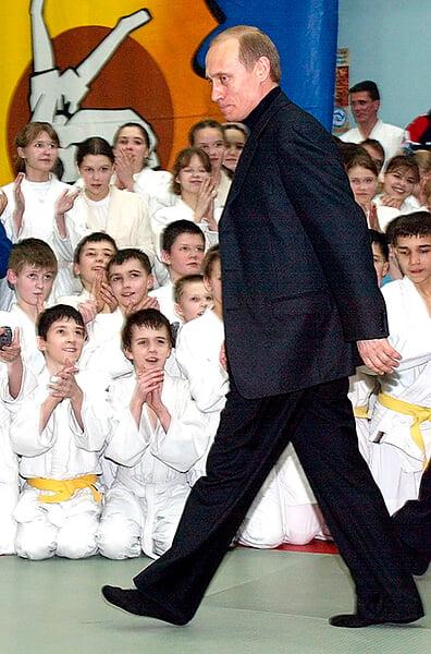Самбо – главное русское единоборство. Им занимались в силовых структурах, с него начинал Емельяненко