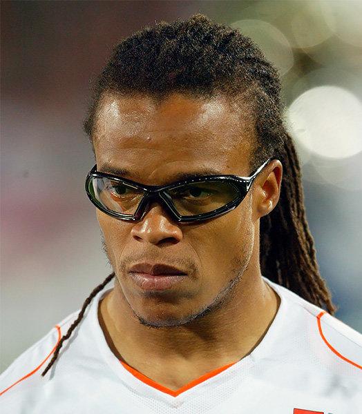 Футболист ювентуса в очках