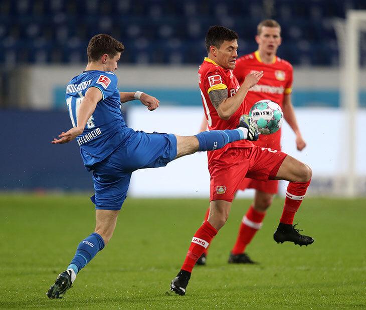 Нулями «Хоффенхайма» и «Байера» Бундеслига попрощалась с матчами по понедельникам. Их отмены добивались фанаты