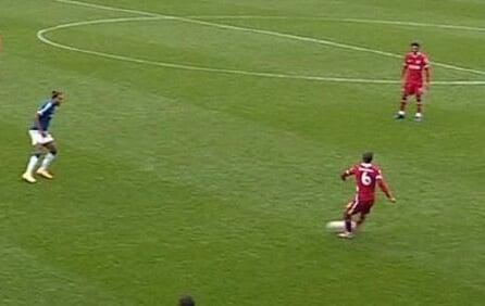 ВАР отменил победу «Ливерпуля», хотя в прошлом сезоне гол бы засчитали. Дело в новых правилах игры рукой