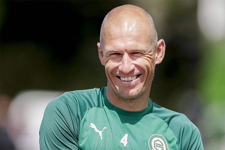 Роббен завершил карьеру в родном «Гронингене». Все испортили травмы, но получилось красиво