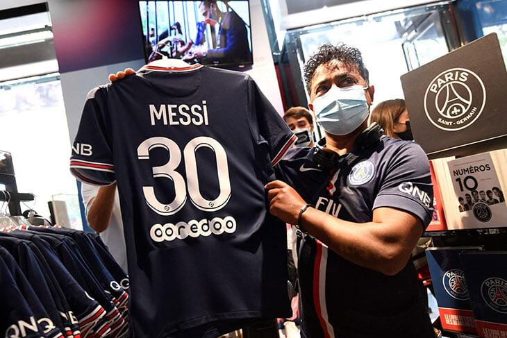 «ПСЖ» не мог продать 250 000 футболок Месси за вечер и окупить половину зп Лео. Не верьте мифам