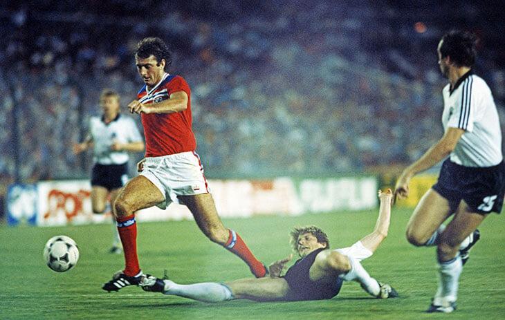 Немцы – давний футбольный враг англичан (но не наоборот). Вот фотоистория их заруб