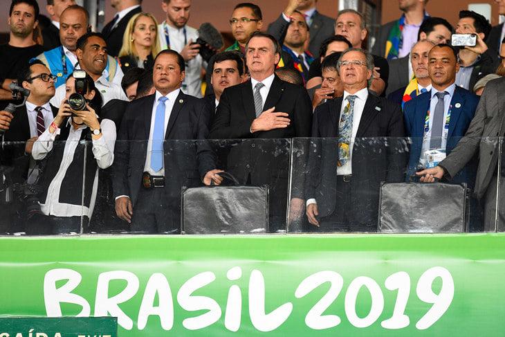 Президентская охрана заглушила переговоры судей матча Бразилия – Аргентина. Возможно, VAR вообще не работал