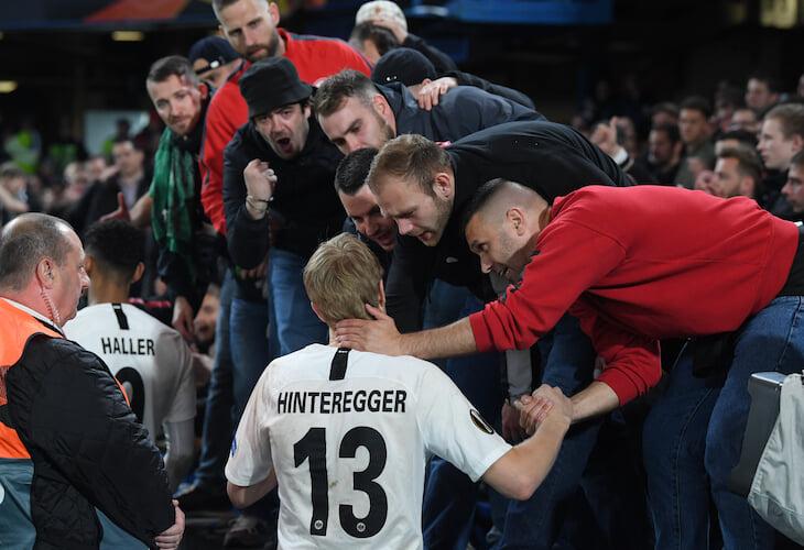 «Баварию» чуть не остановил защитник-вратарь «Айнтрахта»: за 3 минуты воткнул дубль, но потом заковырял в свои и оформил разгром