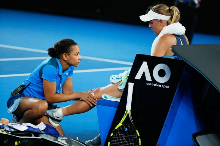 Теннисистку обвиняют в жульничестве за медицинские перерывы. Правила она не нарушает, но тенденция некрасивая