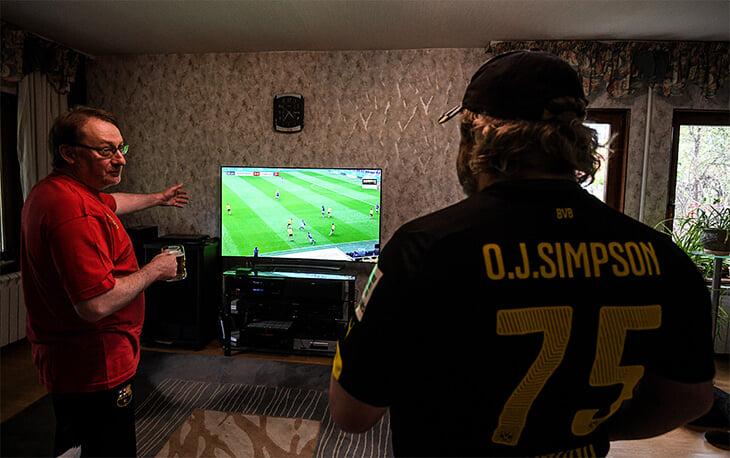 Расскажите, почему вам не нравится смотреть российский футбол. У нас есть анонимная книга жалоб
