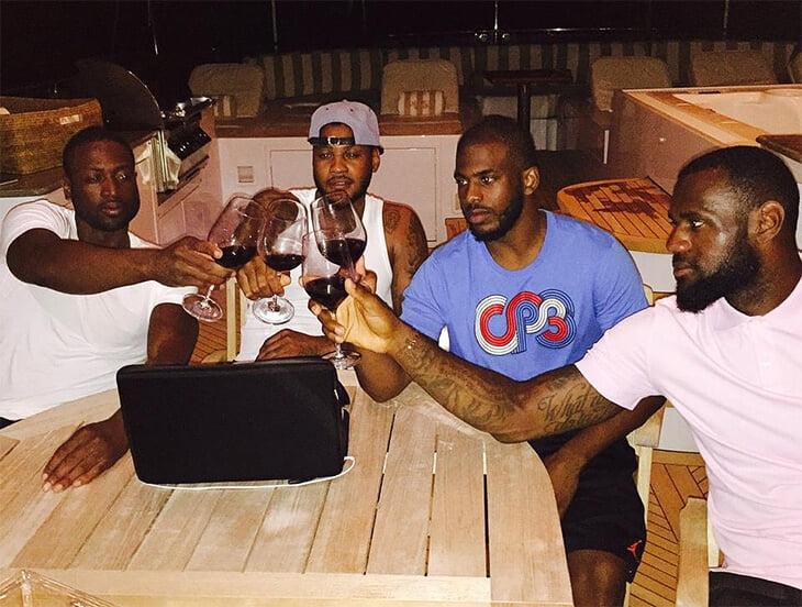 Леброн сводит все темы к разговору о вине. Он его обожает – начал пить после 30 и подсадил всех друзей в НБА