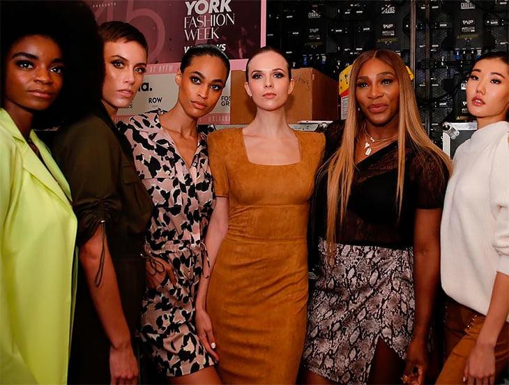 Серена Уильямс продолжает играть в дизайнера. Говорит, ее одежда поддерживает женщин (но это просто бизнес)
